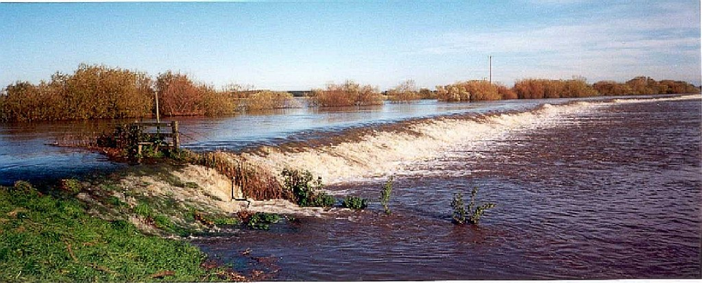 Cawood Flooded Fields 2000